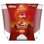 Glade Maxi Spiced Apple Kiss vonná svíčka, 224 g