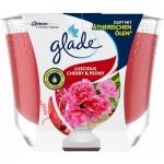 Glade Maxi Luscious Cherry & Peony vonná svíčka, 224 g